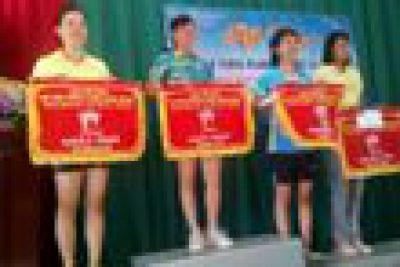 Hội thao truyền thống ngành giáo dục Thị Xã Buôn Hồ lần thứ 7 được tổ chức trong 2 ngày 30 và 31 tháng 10. Hội thao được chia làm 4 cụm với sự góp mặt của 151 vận động viên tranh tài ở 3 môn là bóng đá nam, bóng chuyền nữ và cầu lông